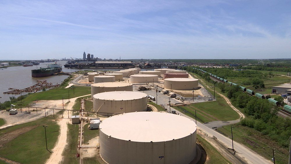 The Plains All American petrochemical facility sits next to the neighborhoods of Africatown.  (Credit: Franz Barraza, WALA FOX10 News)