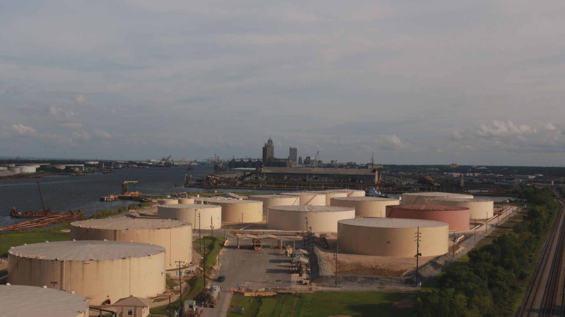 There are nearly 100 petrochemical storage tanks operating along the Mobile River near downtown Mobile. Is there any accountability for the chemicals that are stored inside? (Credit: Franz Barraza, WALA FOX10 News)