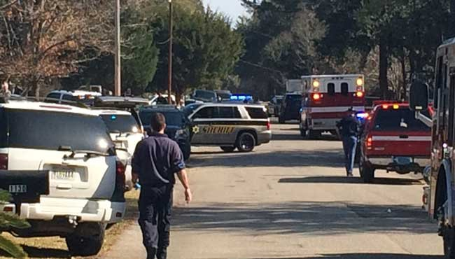 Saraland officials have confirmed that an officer was shot Wednesday, December 21, on Martha Alleyn Drive in Saraland. Photo: FOX10 News Reporter Candace Murphy