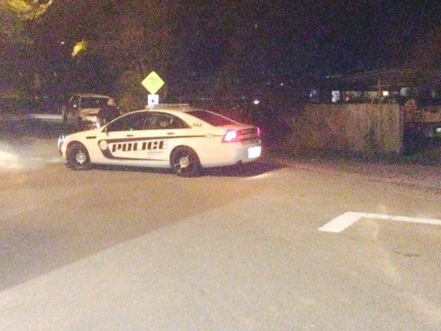 Mobile Police investigate shooting on Gulfwood Drive (Photo: Steve Alexander, FOX10 News)