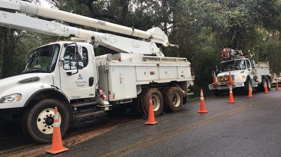 Power crews have been working hard to restore power to thousands of customers following Hurricane Nate (Photo: Asha Staples, Reporter)