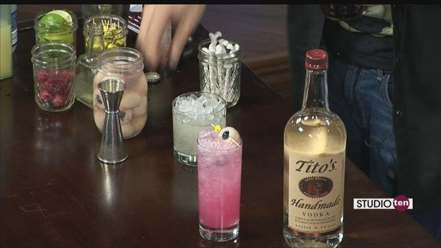 looking for some spooky halloween drinks for tonight mixologist roy clark from the haberdasher joined us on studio10 with this great ideas eye scream fizz