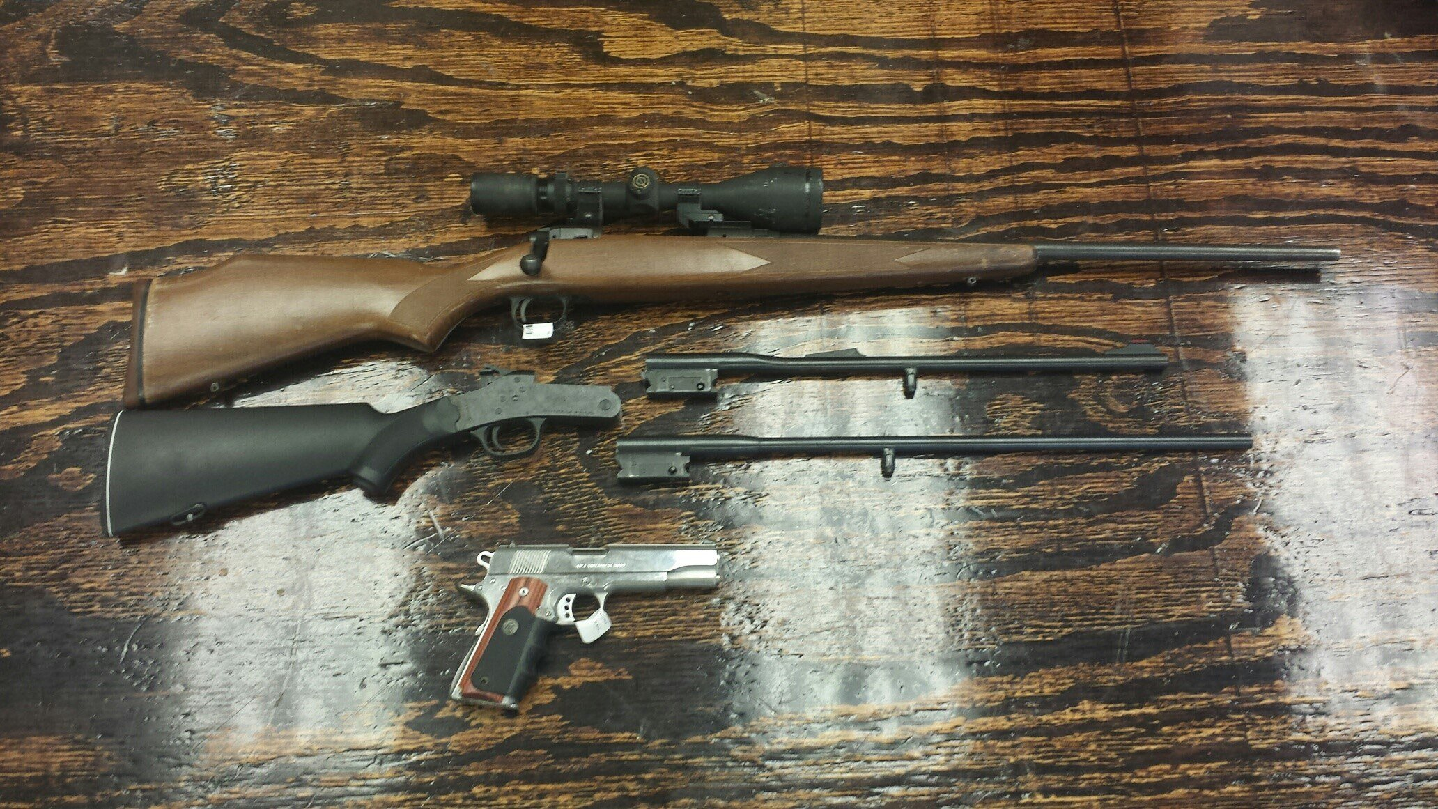 Stolen guns recovered from a pawn shop in Semmes (Mobile County Sheriff's Office)