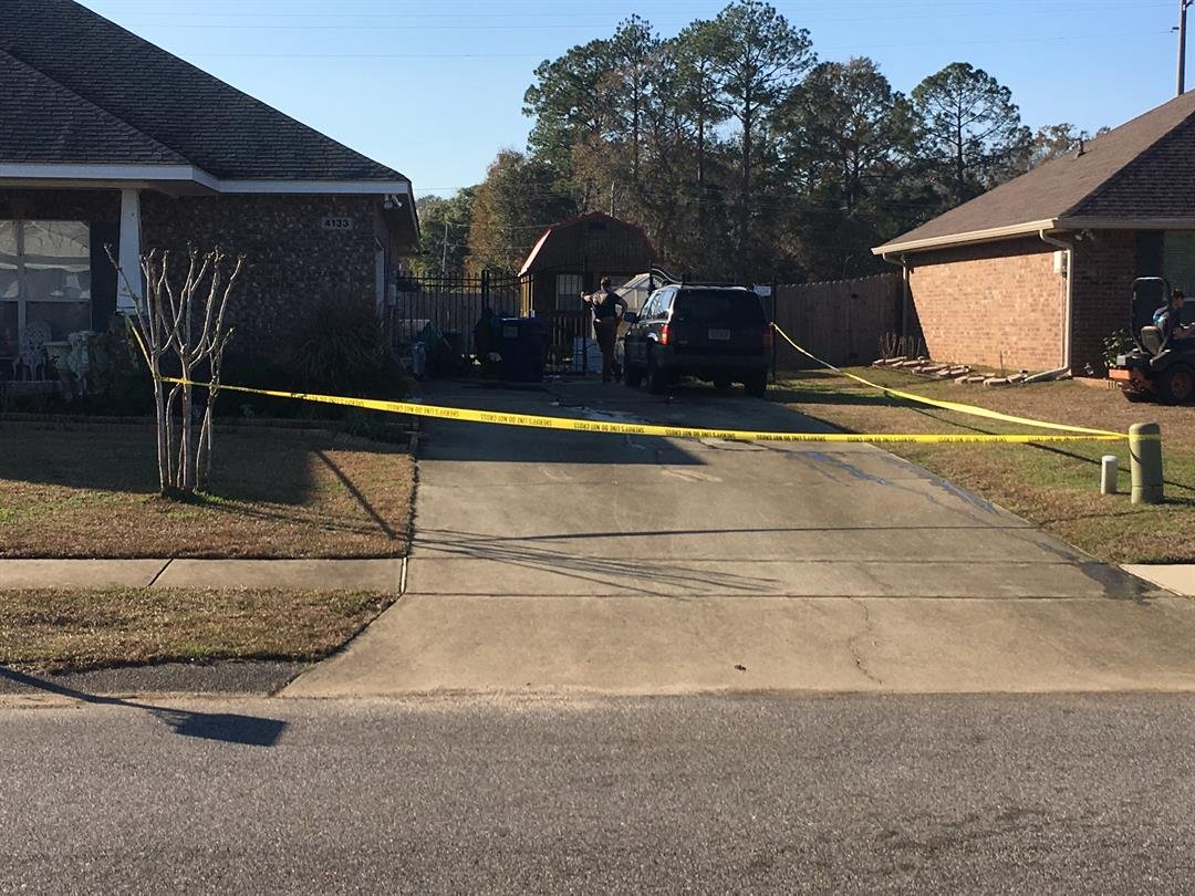 Scene of explosion in Semmes (FOX10 News)