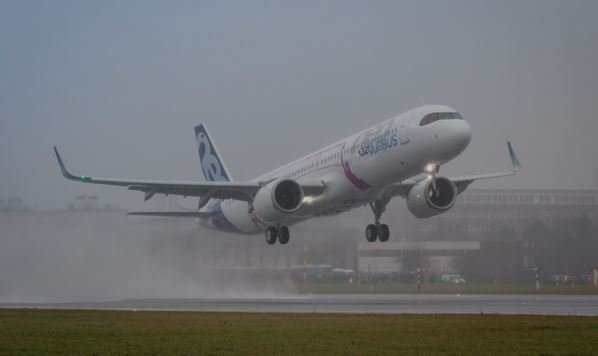 First Flight For Airbus A321LR