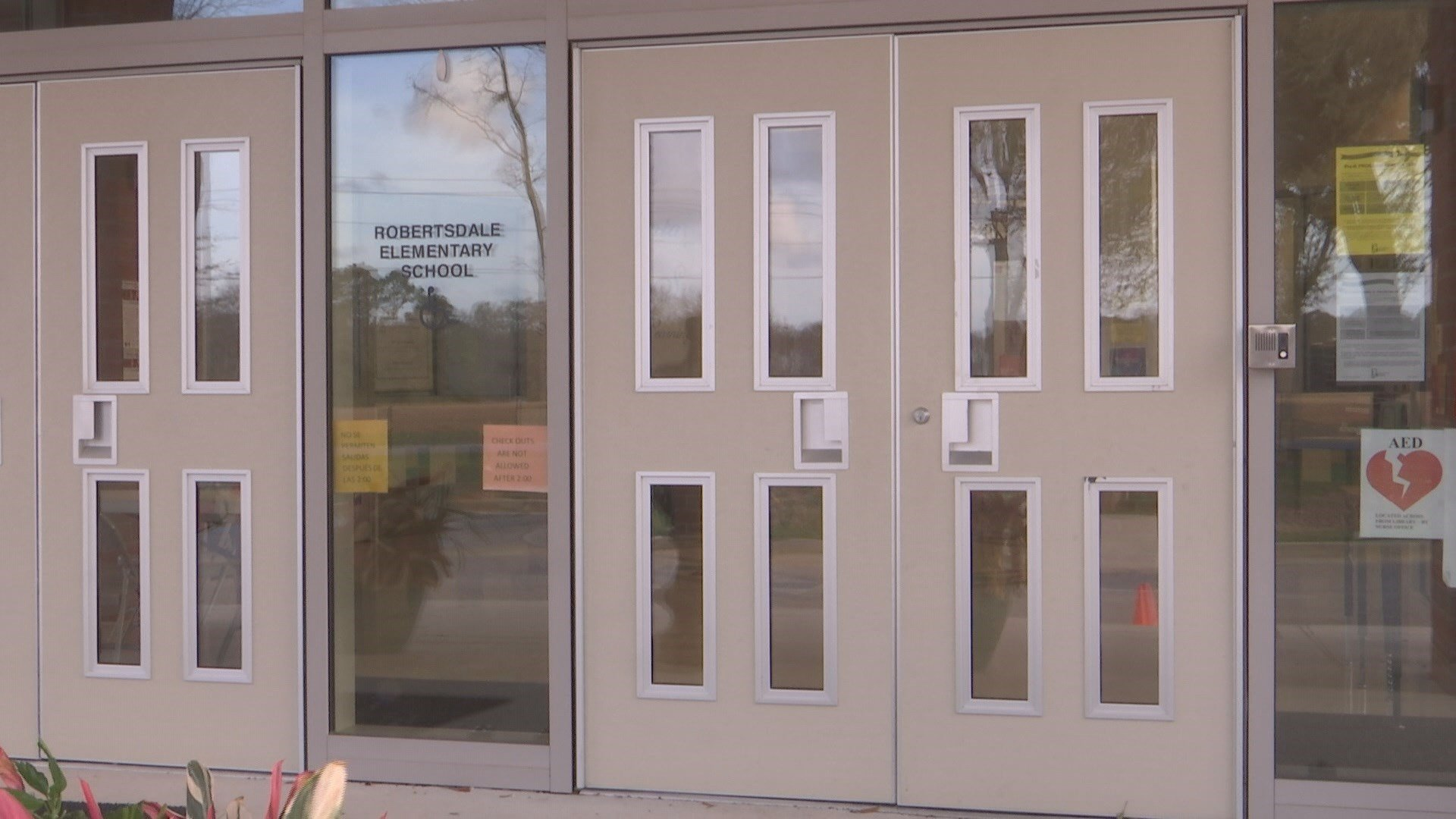 A few schools, like Robertsdale Elementary, already have buzzer systems. Photo: FOX10 News.