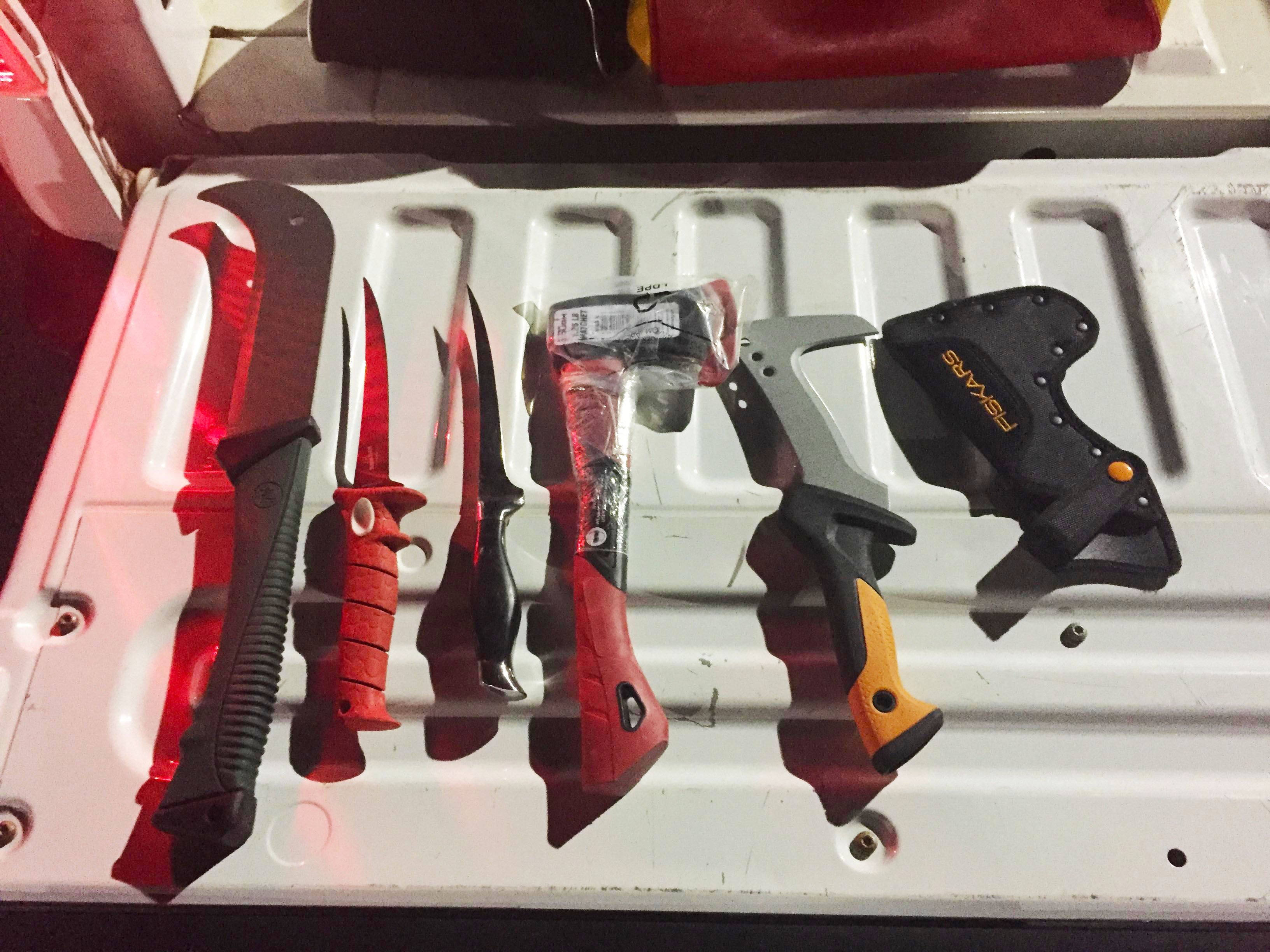 A bag of large knives were found within arms reach of a man who said he thought about killing the deputy that pulled him over. Photo: Walton County Sheriff's Office.