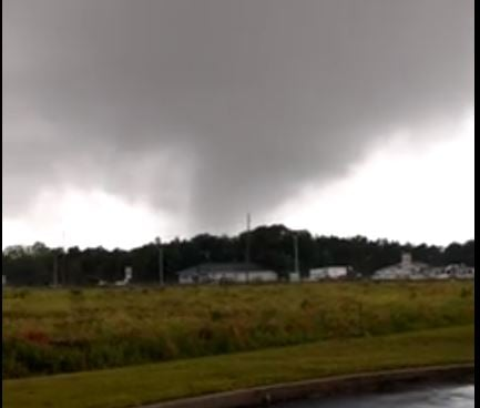 Sheriff: 5 people injured during reported tornado in Alabama