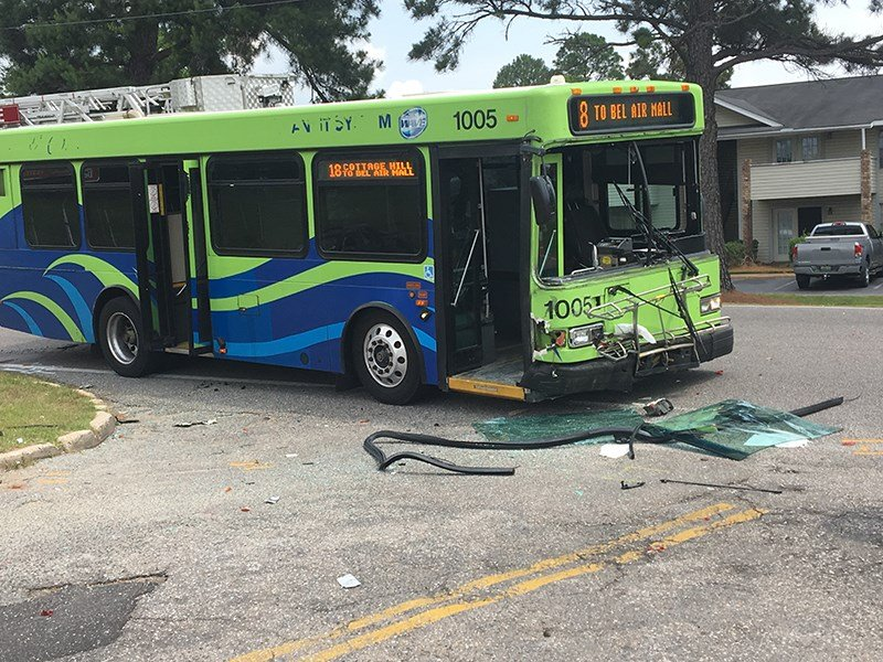 A Wave Transit System bus was involved in an accident Wednesday, Nov. 16, 2018. (Photo: Rodney Rocker, FOX10 News)