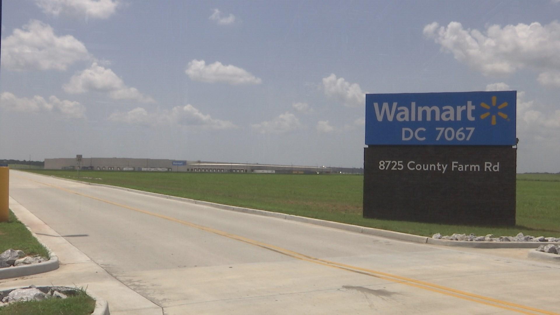 Walmart distribution center opens in Irvington (FOX10 News)