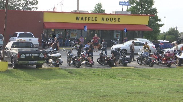 Bikers pack Saraland Waffle House to show support for police - FOX ...